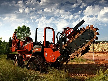 DITCH WITCH RIDE-ON-TRENCHERS